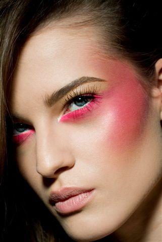como-fazer-uma-maquiagem-para-carnaval-2017