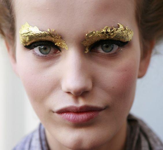 maquiagem-para-carnaval-dourada