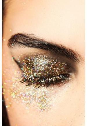 maquiagem-para-carnaval-sobrancelha