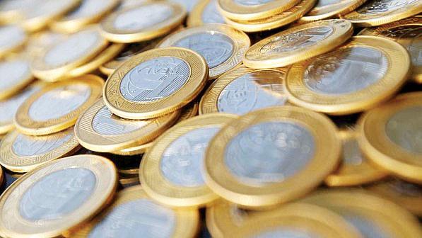 Simpatia para ano novo 2015 com moedas