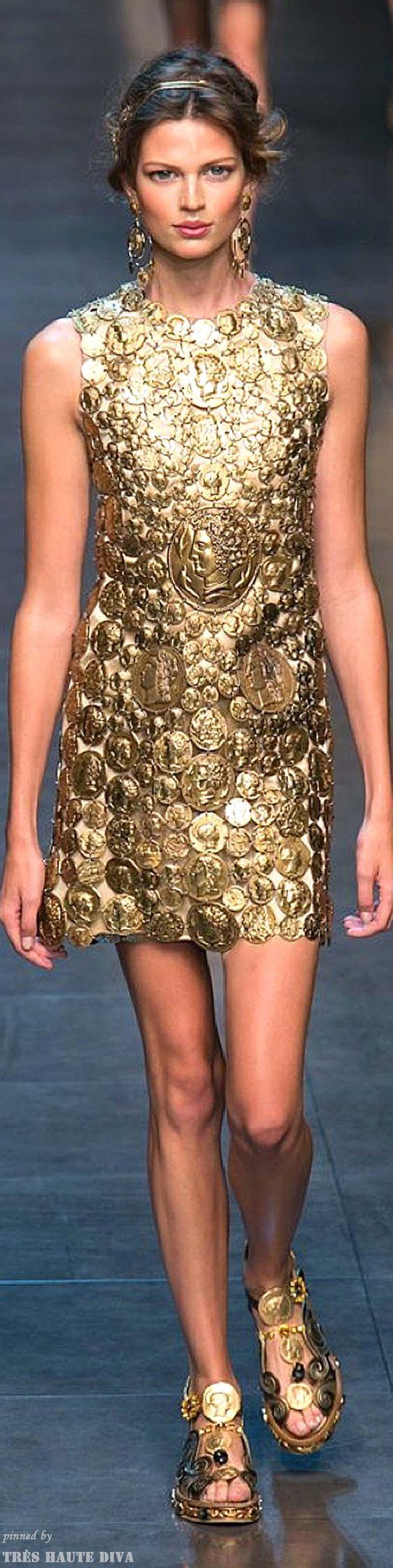 modelos-de-vestidos-dourados-curtos-para-eventos-chiques