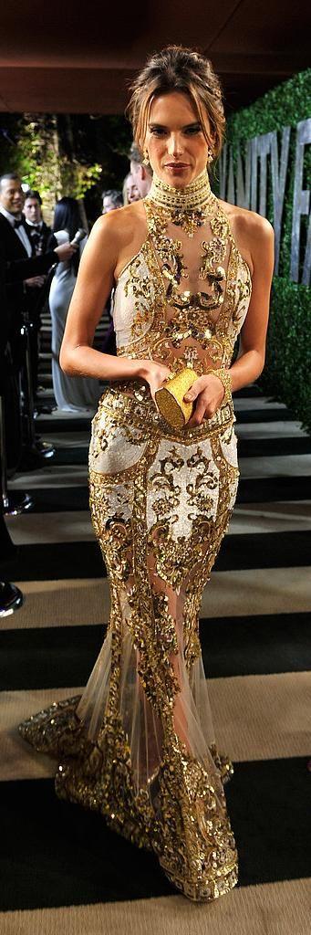 vestidos-de-renda-longo-dourado-maravilhoso