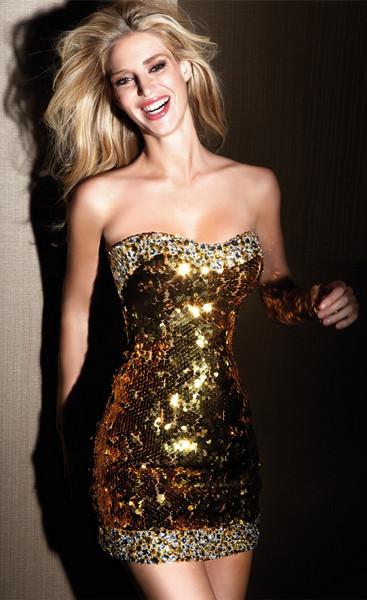 vestidos-dourados-curtos-com-glitter