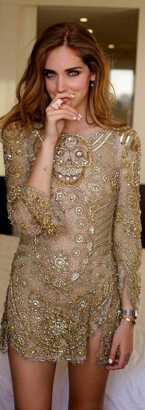 vestidos-dourados-curtos-foto