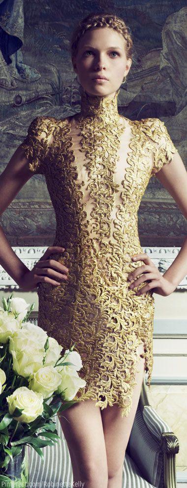 vestidos-dourados-curtos-luxuoso