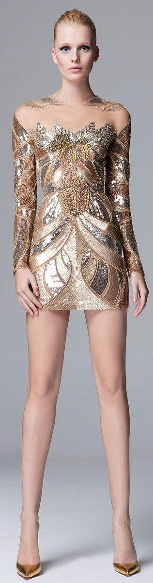 vestidos-dourados-curtos-ousado