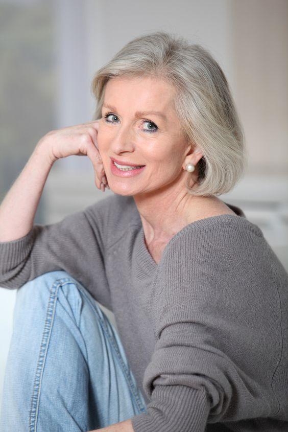 cortes-de-cabelo-curto-para-mulheres-mais-velhas