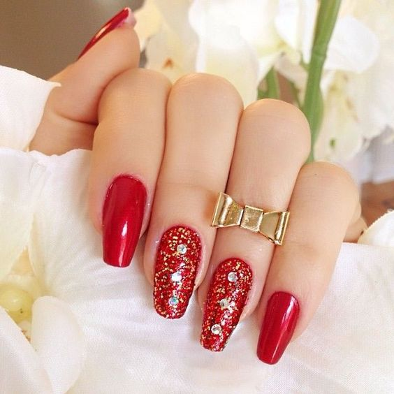 unhas decoradas vermelhas moda 2018