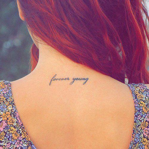 tatuagens escritas femininas delicadas